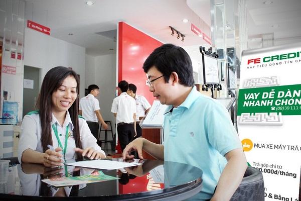 FE Credit hỗ trợ khách hàng mua xe máy trả góp từ 0%