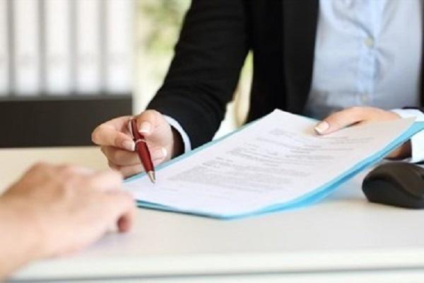 Hãy luôn phải đọc kỹ hợp đồng cho vay