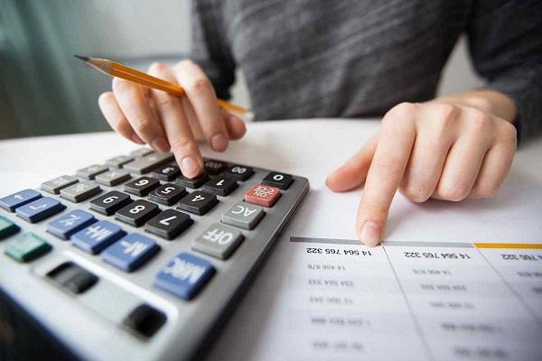 FE Credit đang áp dụng mức phí phạt trả nợ trước hạn là 5%