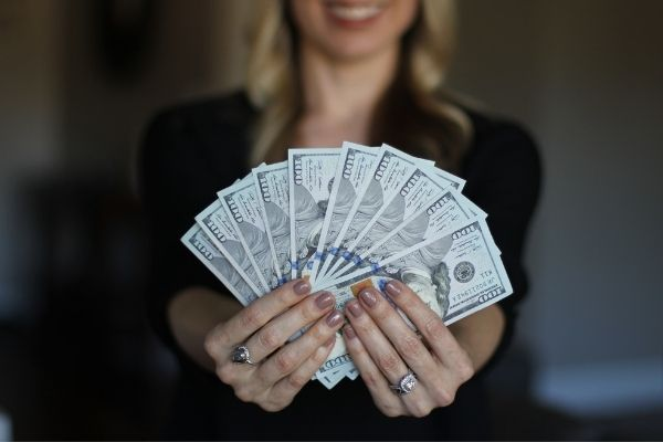 Vay tiền bằng thẻ tín dụng FE Credit giải ngân nhanh chóng