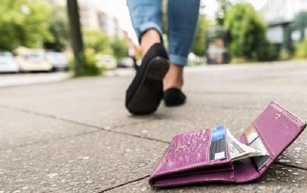 Khi làm mất hoặc bị đánh cắp thẻ tín dụng FE Credit