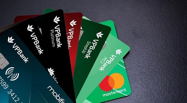 Vay tiền qua thẻ ATM ngân hàng VPBank